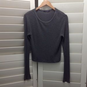 Brandy Melville Sweater Top One Size Cropped Top